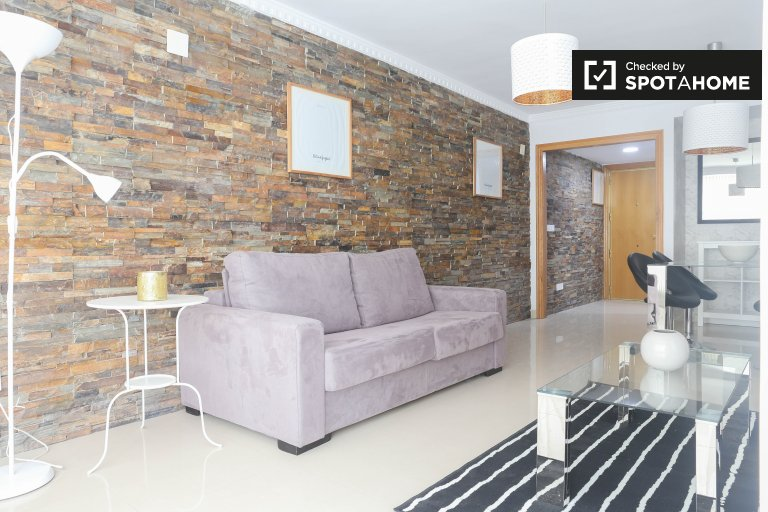 Modern 2-bedroom apartment for rent in Campanar
