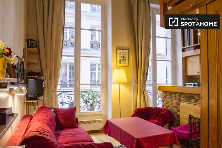 Fab studio apartment for rent in 2nd arrondissement, Paris