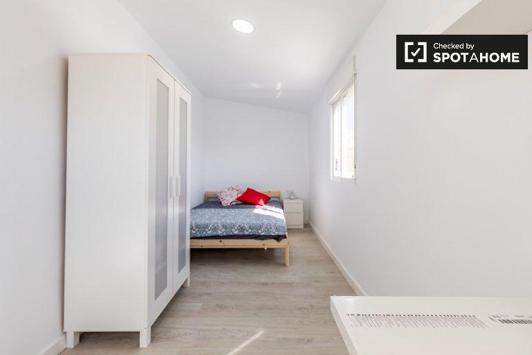 Kiralık çift kişilik oda, 4 yatak odalı daire, Burjassot