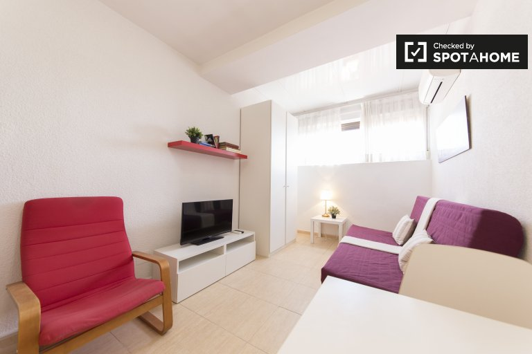 Stylowy apartament typu studio do wynajęcia w Moncloa, Madryt