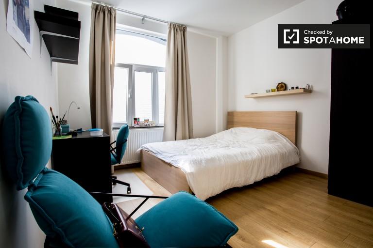 Chambre confortable dans un appartement à Saint Gilles, Bruxelles