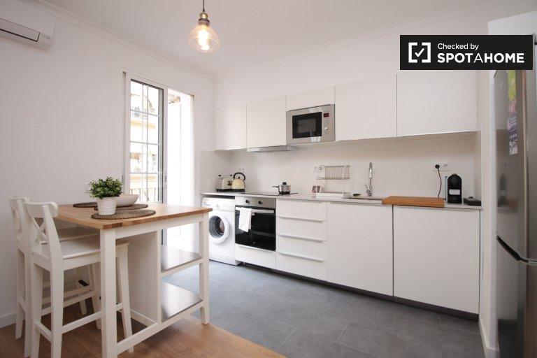 Attractive 3-bedroom apartment in Poble-sec, Barcelona
