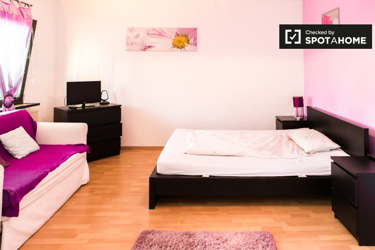 Moderno apartamento de 1 dormitorio en alquiler en Mitte, Berlín