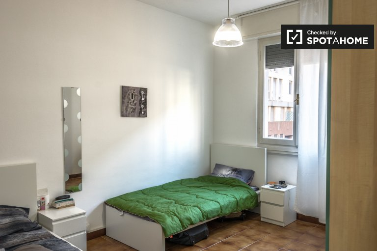 Single Bed in Rooms for rent in 5-bedroom apartment in Puccini