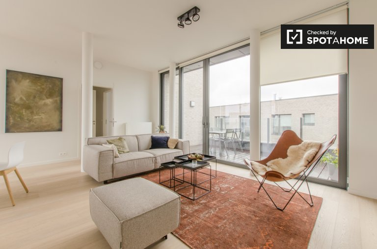 Modern and stylish 2-bedroom apartment for rent in Ixelles