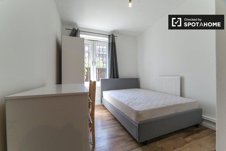 Chambre confortable à louer dans un appartement de 4 chambres à Hackney, Londres