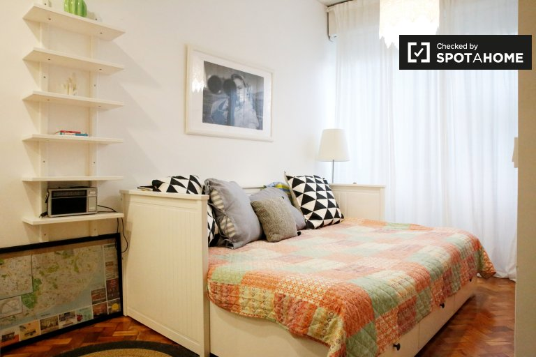 Lovely studio apartment for rent in Arroios, Lisbon