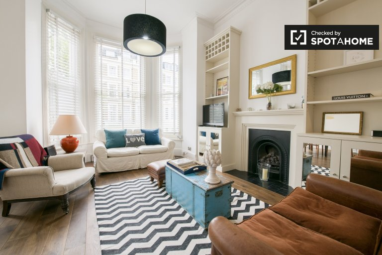 1-bedroom flat to rent in Kensington, London