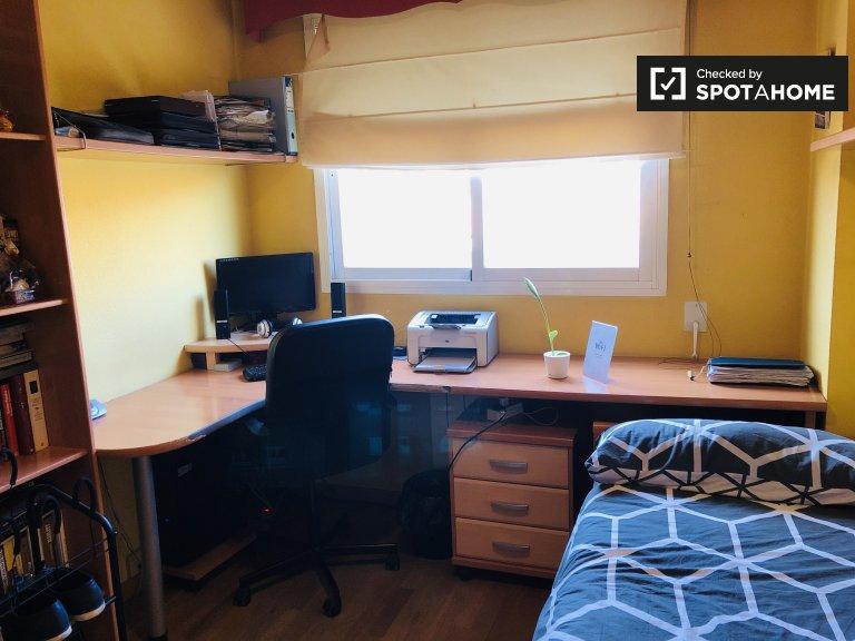 Pokój jednoosobowy do wynajęcia, apartament z 3 sypialniami, Alcalá De Henares