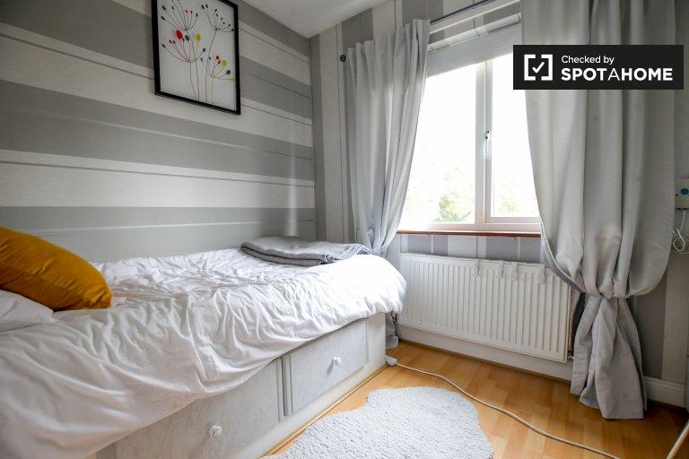 Chambre à louer dans une maison de 4 chambres à coucher, Clonsilla, Dublin