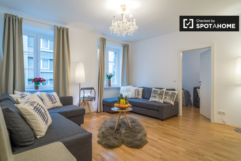 Stylish 2-bedroom apartment for rent in Margareten, near U-Bahn