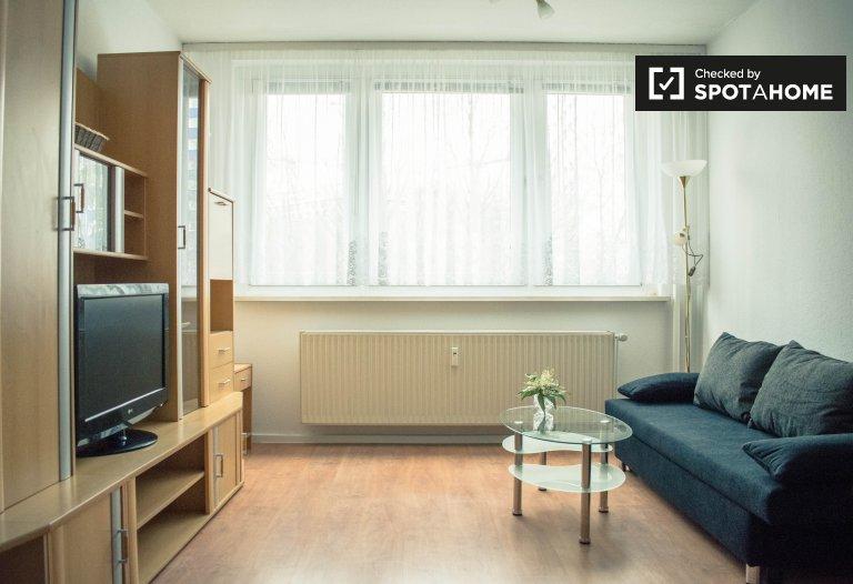 Mitte, Berlin'de kiralık 2 yatak odalı daire