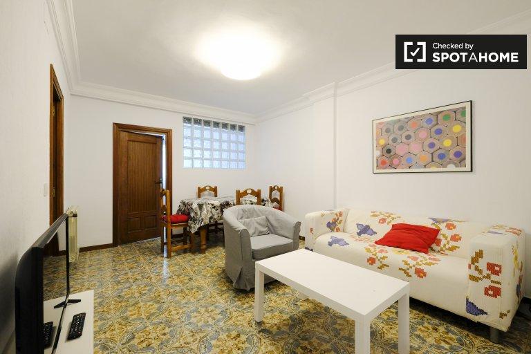 Bel appartement de 4 chambres à louer à Aluche, Madrid