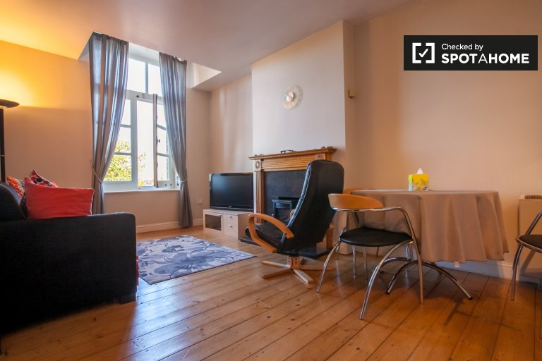 1-bedroom flat to rent in Old Town, Dublin