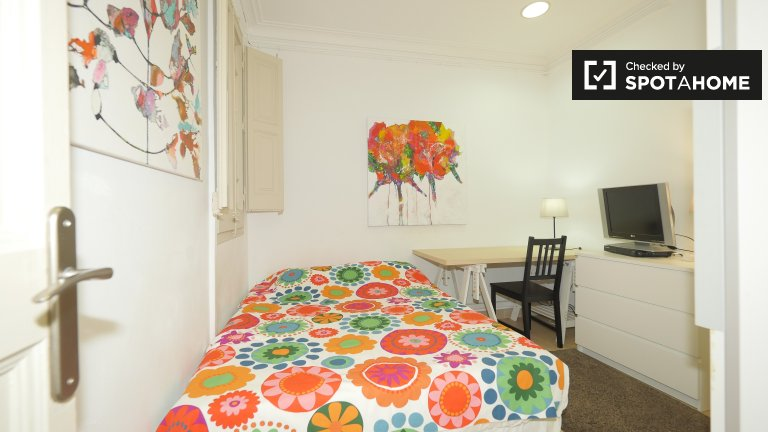 Stylish room for rent in Eixample, Barcelona