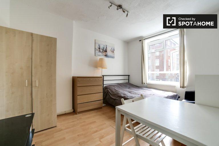 Chambre intime dans un appartement de 4 chambres à Hackney, Londres
