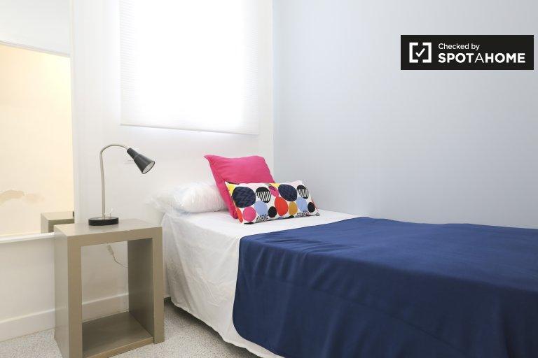 Chambre élégante dans un appartement de 4 chambres, Tetuán, Madrid
