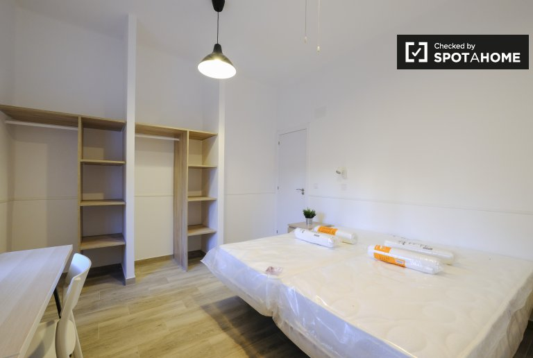 Twin room for rent, 3-bedroom apartment, Getafe, Madrid
