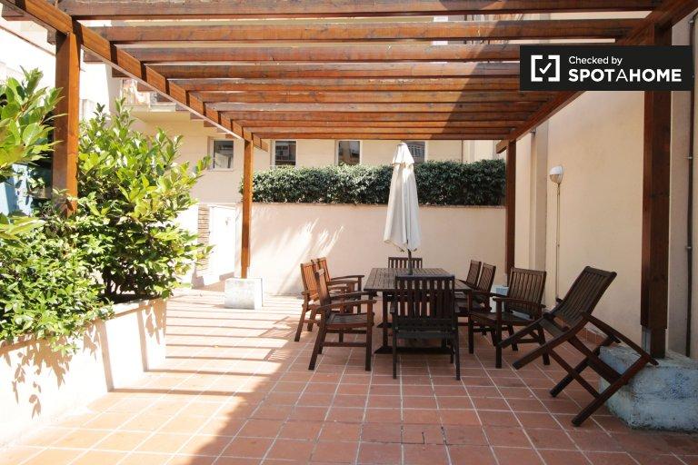 Apartamento de 3 quartos para alugar em Eixample Esquerra, Barcelona