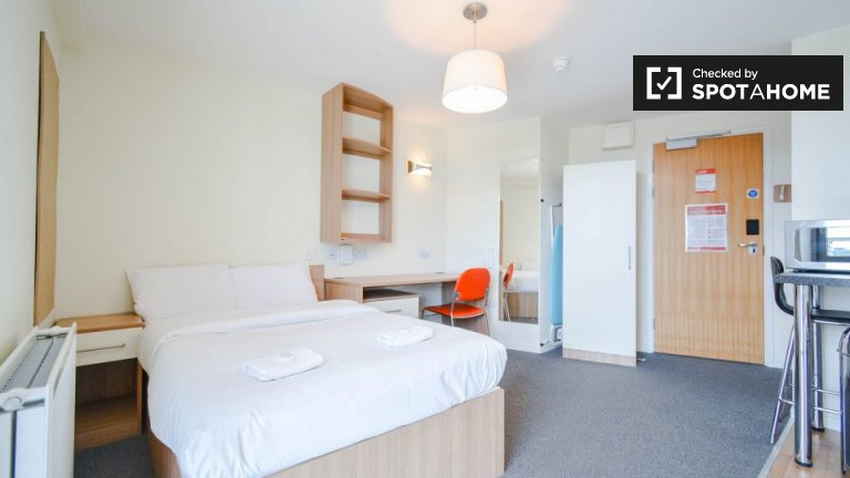 Modern studio apartment to rent in Southwark, London