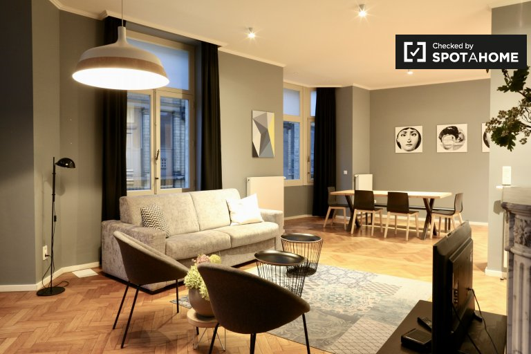 Sleek 2-bedroom apartment for rent in Center, Brussels