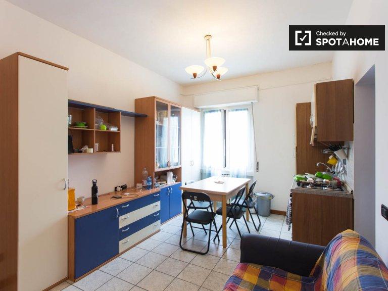 Betten in 2-Zimmer-Wohnung in Affori, Mailand