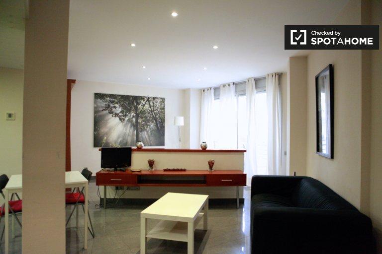 Luminoso estudio en alquiler en El Raval, Barcelona