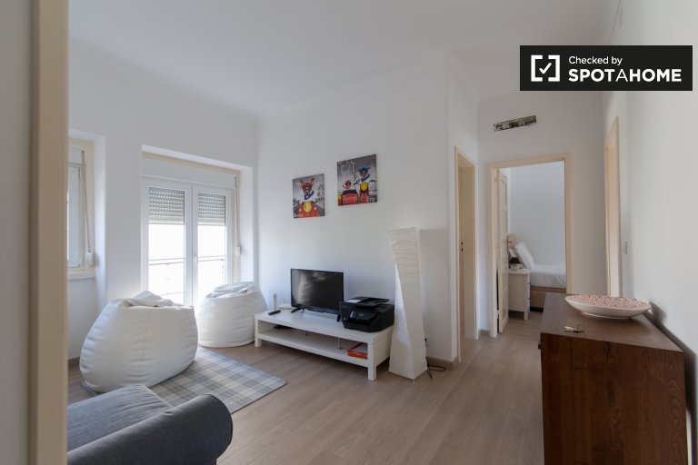 Trendy 2-bedroom apartment for rent in Alvalade, Lisbon