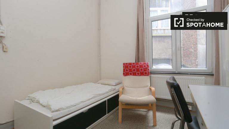 Chambre meublée dans un appartement à Saint Gilles, Bruxelles
