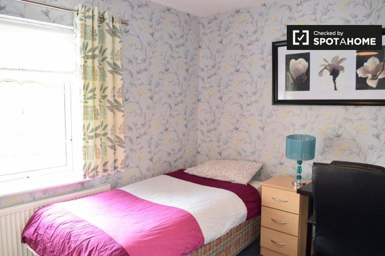 Charmantes Zimmer in einem Haus mit 3 Schlafzimmern in Corduff, Dublin