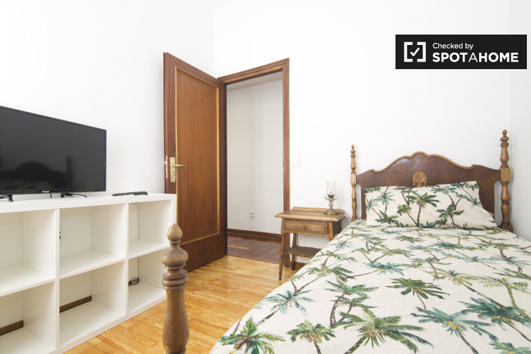 Bedroom 1- single bed