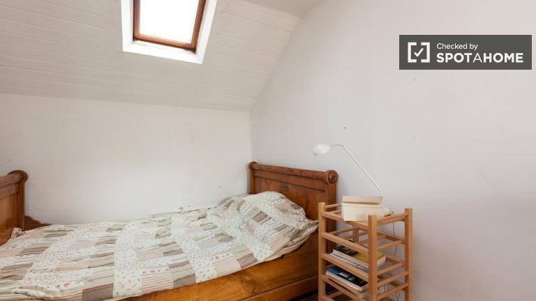 Studio for rent in Ixelles, upmarket suburb of Brussels,