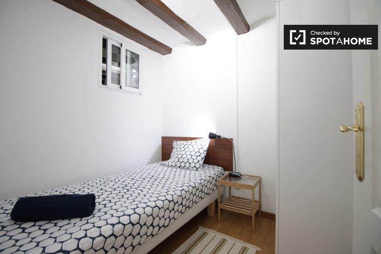 El Raval'daki 2 yatak odalı dairede karşılama odası, Barselona