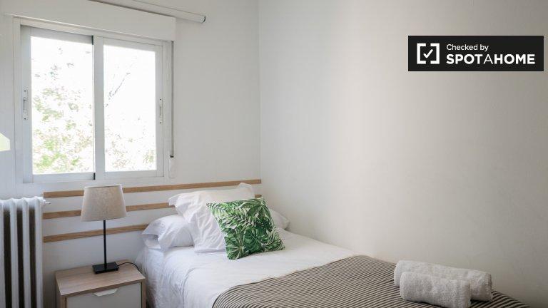 Quarto elegante para alugar em El Viso, Madrid