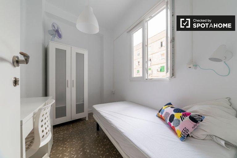Benimaclet 4 yatak odalı daire Kiralık aydınlık oda