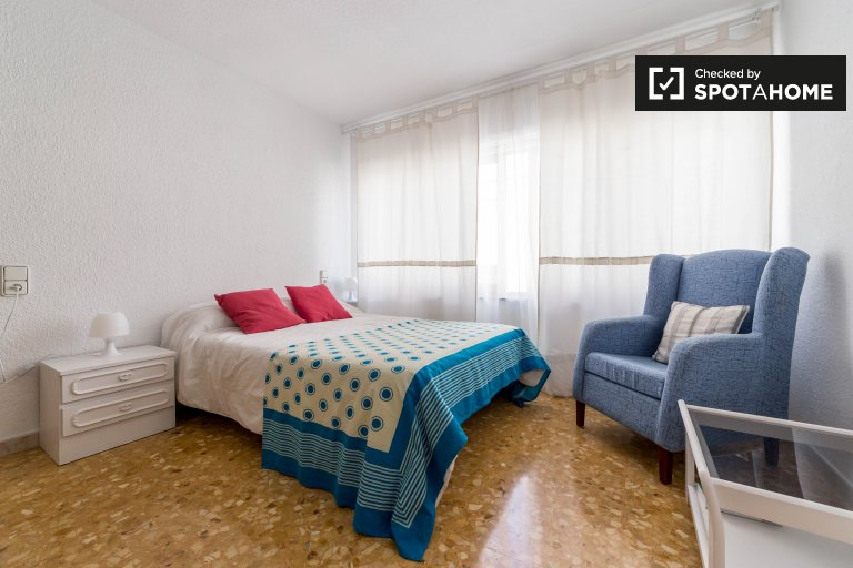 Bright studio apartment for rent in Ciutat Vella, Valencia