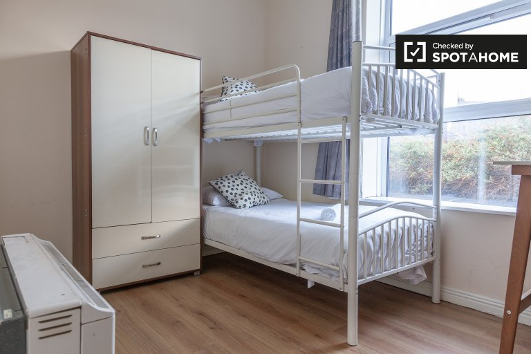 Neat studio apartment for rent in Drumcondra, Dublin