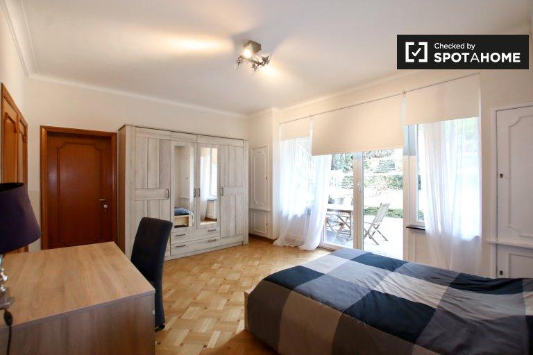 Room for rent in 14-bedroom house in Auderghem, Brussels