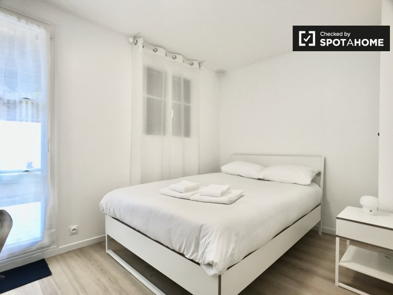 Chambre lumineuse à louer dans une maison de 5 chambres à Pantin, Paris