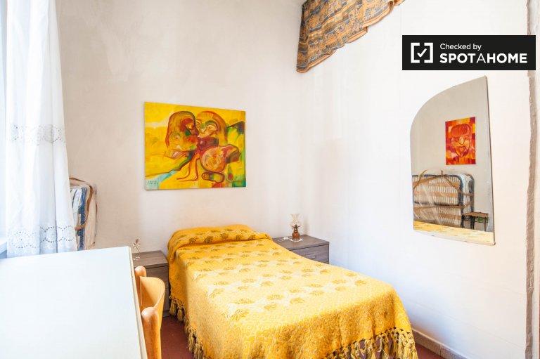 Pokój do wynajęcia w 6-pokojowym mieszkaniu w Nomentano, Rzym