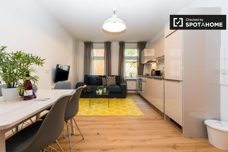 Modernes Apartment mit 2 Schlafzimmern zur Miete in Moabit, Berlin