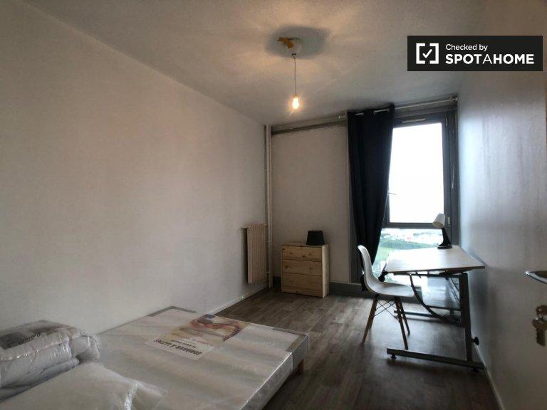 Luminosa camera in affitto in appartamento con 4 camere da letto, Saint-Denis