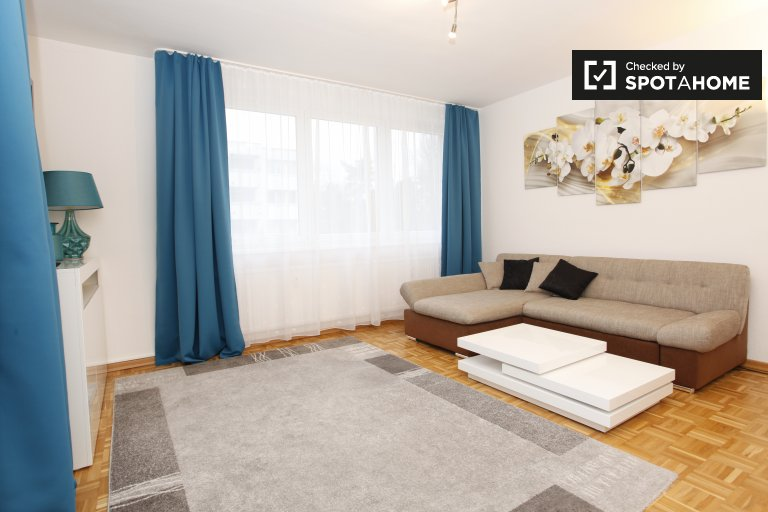 Furnished 1-bedroom apartment with balcony for rent in Charlottenburg