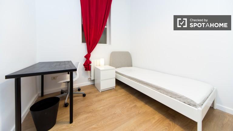 Room 3: Single