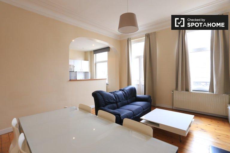 Jasne 2-pokojowe mieszkanie do wynajęcia w Ixelles, Bruksela