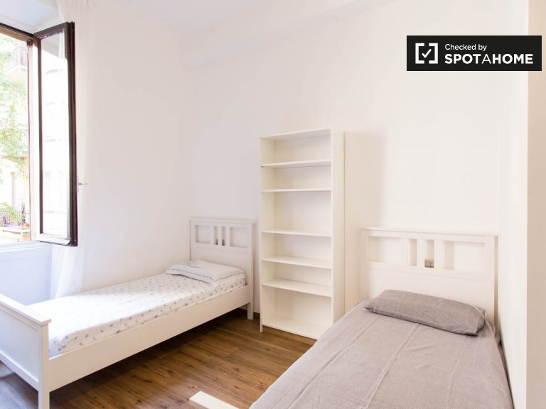 Bed for rent in room in 9-bedroom apartment in Città Stud