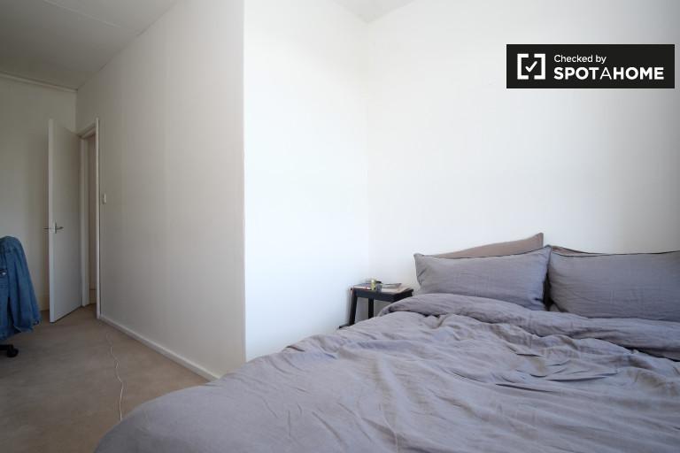 Bedroom 2 - double bed,