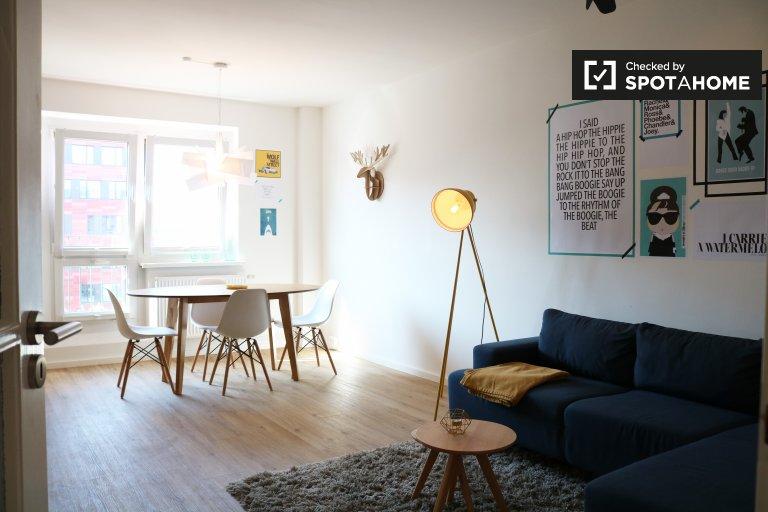 Friedrichshain'de kiralık 2 yatak odalı modern daire