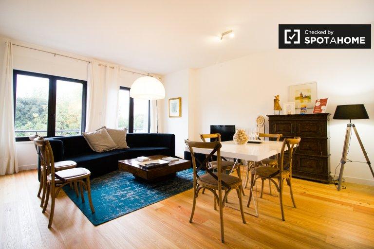 Avenidas Novas'ta kiralık 3 yatak odalı şık daire