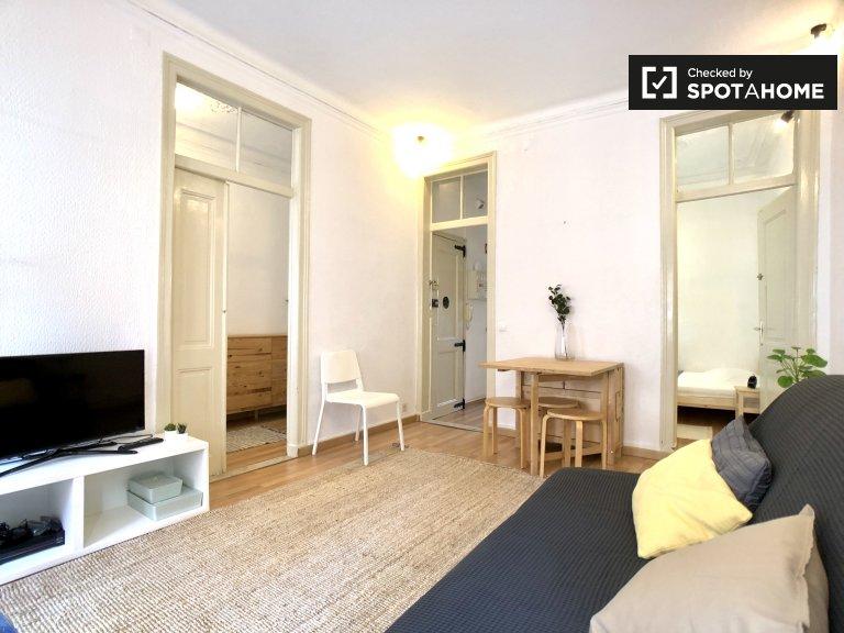 Quarto em apartamento de 2 quartos para alugar em Cais do Sodré